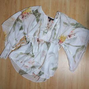 WHBM White Floral Kimono Style Floral Blouse Sz M